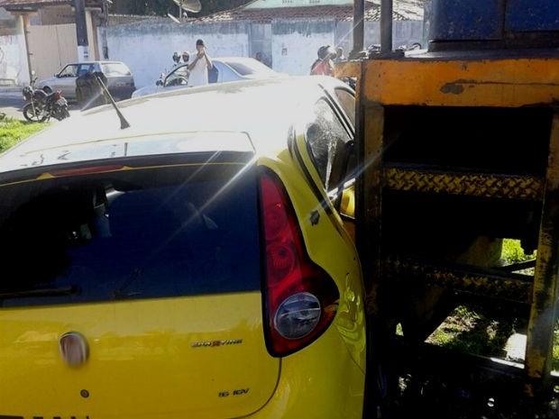 Acidente ocorreu na cidade de Dias D' Ávila, na região metropolitana de Salvador (Foto: Diculgação/ Site Bahia10)