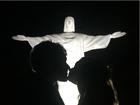 Jayme Matarazzo posta foto da cerimônia de casamento sob o Cristo