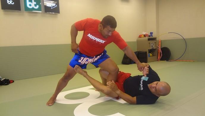 Michel Trator treina com Frankiko Lima (Foto: GLOBOESPORTE.COM)