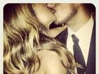 Namorado de Sabrina Sato posta foto do beijo do casal e diz: 'Para sempre'
