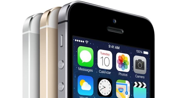 iPhone 5S tem tela retina igual à do modelo anterior, mas iPhone 6 deve trazer mudanças (Foto: Divulgação/Apple)