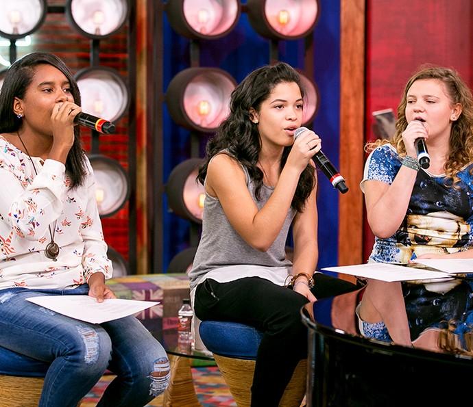 Bela, Luísa e Thaynã esbanjaram concentração no ensaio (Foto: Isabella Pinheiro/Gshow)