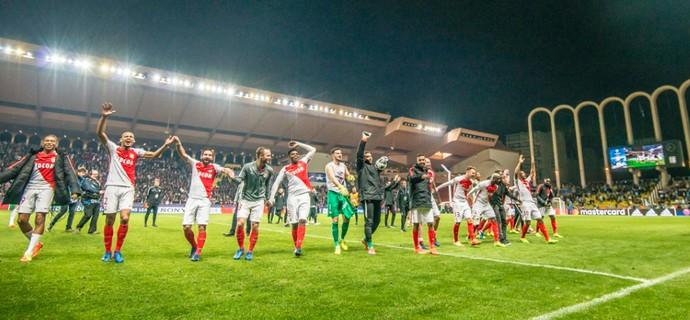 Jemerson comemora classificação com os companheiros do Mônaco (Foto: Reprodução / Twitter)