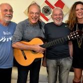 Toquinho, Roberto Menescal, Carlos Lyra e Tiê (Foto: Cristina Granato/Divulgação)