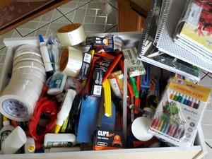 Materiais de escritório estavam entre os bens apreendidos com vereadora (Foto: Divulgação/Polícia Civil)