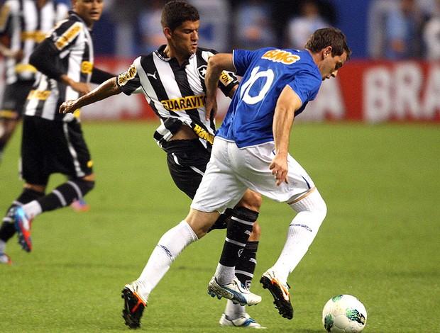 Jadson, Montillo, Botafogo x Cruzeiro (Foto: Marcos de Paula / Agência Estado)