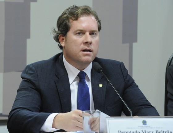 Deputado federal Marx Beltrão discursa sobre turismo (Foto: Agência Câmara dos Deputados)