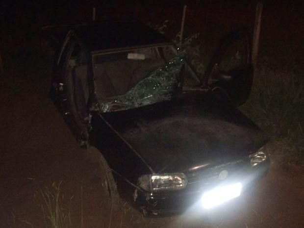 Acidente aconteceu na noite desta quarta-feira (25) (Foto: Departamento de Trânsito, Segurança e Defesa Civil/Cedida)