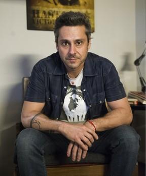 Alexandre Nero caracterizado como Romero Rômulo para a novela A Regra do Jogo (Foto: Globo/Caiuá Franco)