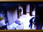 Homem é flagrado furtando celular de bolsa em igreja na Paraíba; veja vídeo