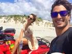 Isis Valverde curte férias com o namorado, André Resende, no Ceará
