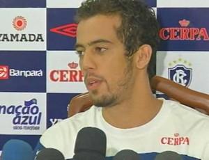 Volante Marcus Pinguim foi apresentado no Remo (Foto: Reprodução/TV Liberal)
