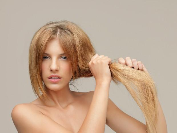 Descubra como os alimentos podem interferir no crescimento de seus cabelos (Foto: Thinkstock)