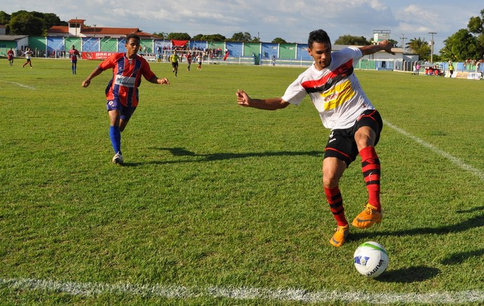 Rafael Araújo, zagueiro Flamengo-PI (Foto: Renan Morais)