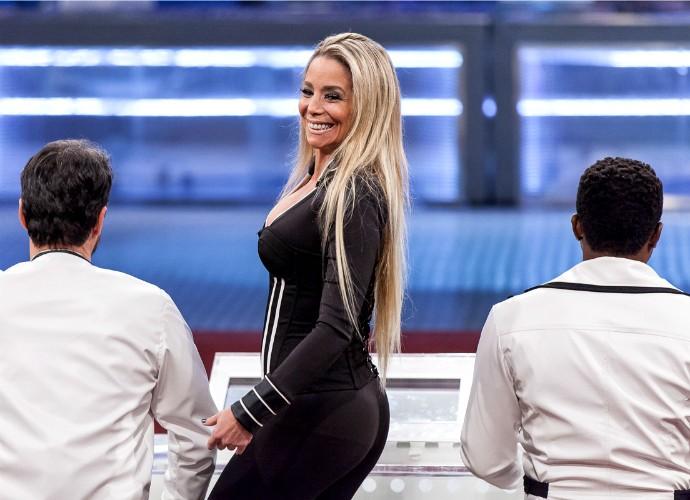Danielle Winits no 'Tomara que Caia' (Foto: Artur Meninea/Gshow)