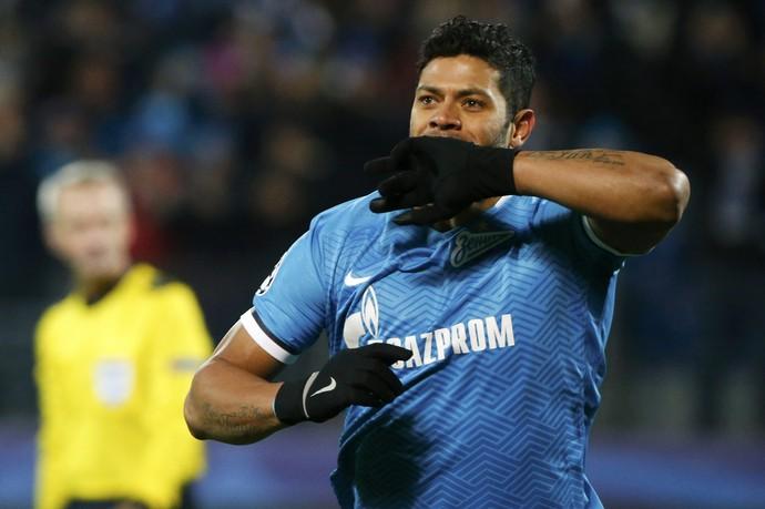 Hulk gol Zenit x Lyon  (Foto: Reuters)