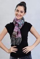 Confira sete maneiras estilosas de amarrar lenços no pescoço