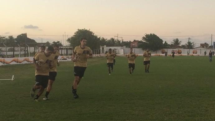 treino do Botafogo-PB, na Maravilha do Contorno (Foto: Lucas Barros / GloboEsporte.com/pb)