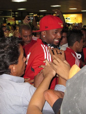 Felipe Flamengo desembarque Salvador (Foto: Richard Souza)