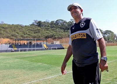 René Simões comanda treino do Botafogo (Foto: Vitor Silva / SSPress)