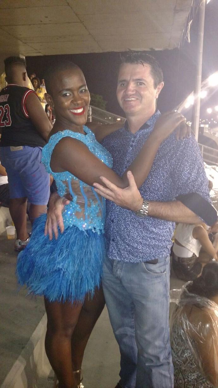 Angélica e Laurent vão juntos a ensaios de escola de samba (Foto: Arquivo Pessoal)