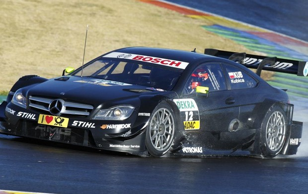 Robert Kubica, ex-Fórmula 1, testa carro da Mercedes no DTM em Valência, na Espanha (Foto: Divulgação)