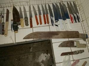 Facas e drogas também são enviadas para os presos (Foto: Divulgação / Sinspeb)