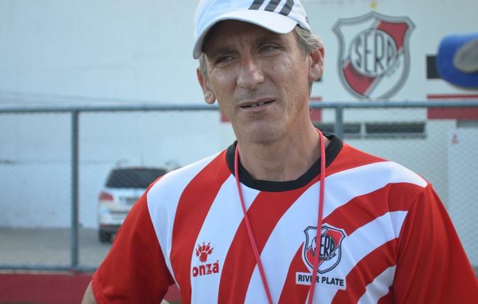Luiz Carlos Cruz terá um grande desafio neste domingo (Foto: Felipe Martins/GLOBOESPORTE.COM)