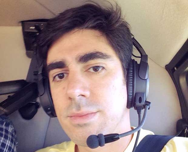 Turistando! Adnet anda de helicóptero pela primeira vez e faz selfie no ar   2014