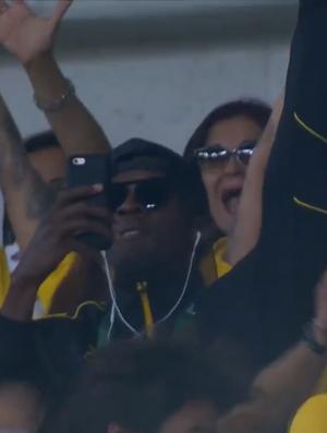 Usain Bolt comemora gol de Neymar no Maracanã (Foto: Reprodução)