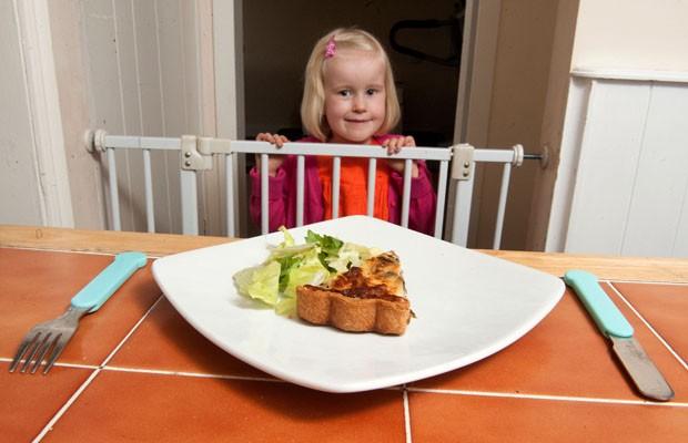 A menina Ava Carvey, de 5 anos, sofre de síndrome de Prader-Willis (Foto: Caters)