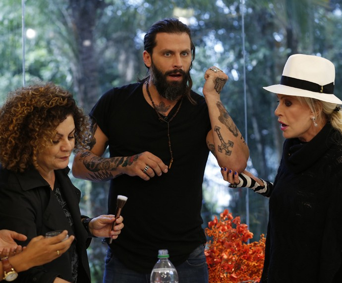 Ana Maria e Henri Castelli ficam surpresos com o resultado (Foto: Ellen Soares/Gshow)
