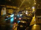 Internauta registra estacionamento irregular em rua de Poá