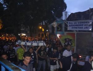 protesto Remo  (Foto: GLOBOESPORTE.COM)