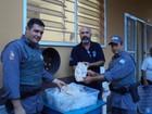 Polícia Ambiental de Bauru doa 30 kg de filé de pescado à Vila Vicentina
