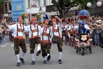 Desfile da Oktoberfest (Foto: Eraldo Schnaider/ Divulgação)