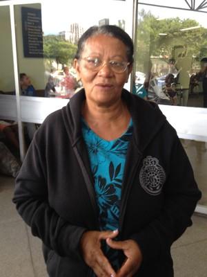 Maria Leite, de 56 anos, é mãe do operário Eduardo, que teve o crânio perfurado por um vergalhão (Foto: Renata Soares/G1)