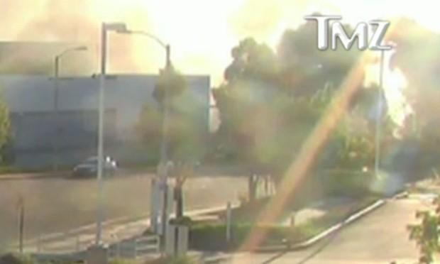 Vídeo mostra momento em que carro onde Paul Walker estava bate em poste (Foto: Reprodução)