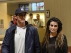 Cleo Pires e Rômulo Neto curtem noite romântica em shopping do Rio