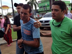 Preso por espancar mulher no Acre (Foto: Veriana Ribeiro/G1)