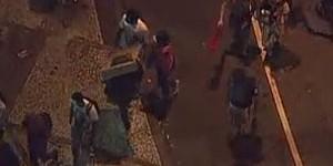 Rio: grupo saqueia lojas após ato (Reprodução/GloboNews)