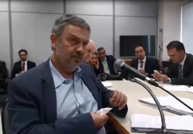 O ex-ministro Antonio Palocci presta depoimento gravado em vídeo ao juiz Sérgio Moro, da Lava Jato (Foto: Reprodução/TV Globo)
