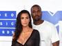 Kim Kardashian faz de tudo para ajudar Kanye West, diz site