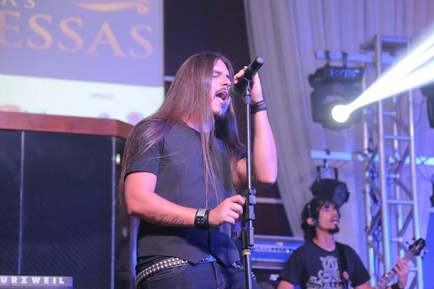 A Sativel conquistou o público com seu rock pesado e ficou com a terceira colocação (Foto: Divulgação/Roberto Gilliard)