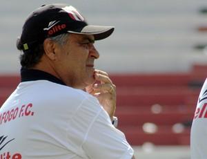 Vagner Benazzi comanda treino no Botafogo-SP antes da partida contra o Palmeiras (Foto: Cleber Akamine / Globoesporte.com)