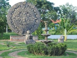 Resultado de imagem para calendario asteca pedra do sol