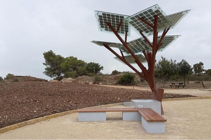 eTree coloca paineis solares em estrutura de árvore para alimentar parques e outros ambientes abertos (Foto: Reprodução/Digital Trends)