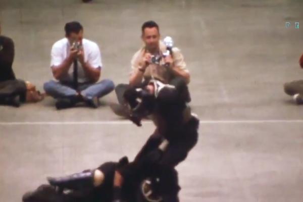 O vídeo mostrando Bruce Lee em ação em uma luta de MMA (Foto: Reprodução)