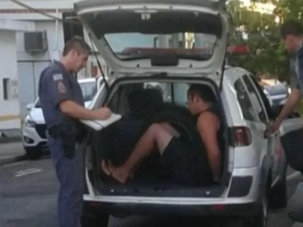 Pai que afundou crânio e quebrou braço de bebê teria se irritado com choro, diz polícia  (Foto: Reprodução/TV TEM)