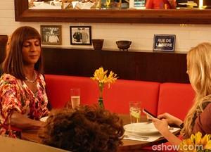 Megan desabafa com Dorothy (Foto: Geração Brasil / TV Globo)